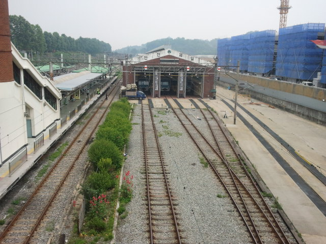Railcar shed at Ansan station. These lines were never used for the old narrow gauge line, the narrow gauge was serviced at Suwon station.