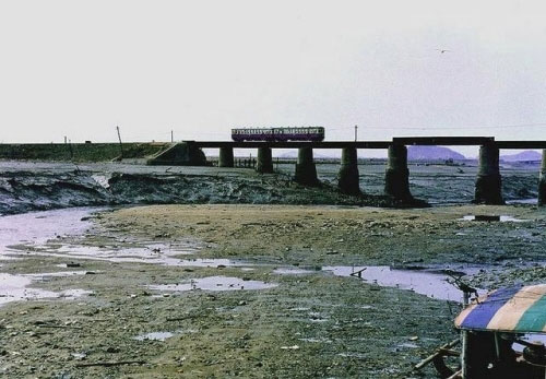 Another historical shot of the bridge at Sorae, probably from the 80's.